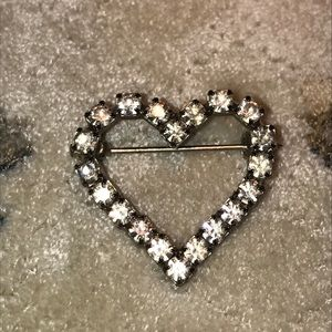 Heart Cristal Brooch.1980 vintage piece 🤍